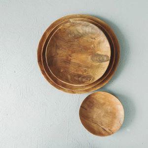 Dřevěný talíř ARTURE Tika z kořene týku průměr 33 cm